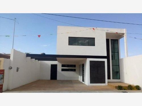 Casa En Venta En Del Valle Sect 1 (fracc Huerta Vieja)