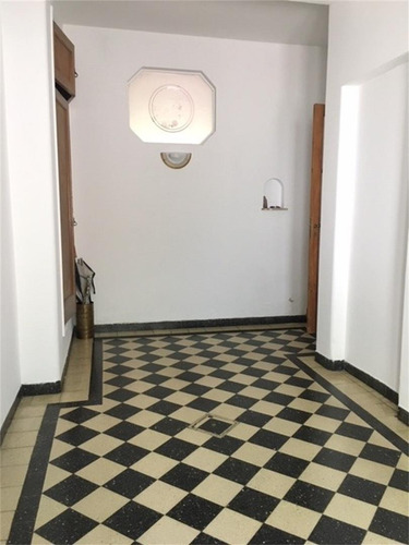 Imagen 1 de 23 de Casa 4 Dormitorios Garage Jardín Viamonte 1300