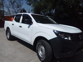 Camioneta Nissan Np300, Doble Cabina, Mod. 2018