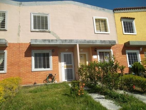 Townhouse En Venta En Flor Amarillo 04123424992.