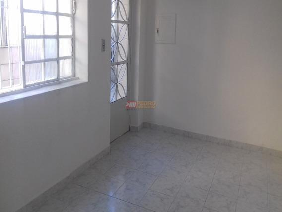 Casa Terrea No Bairro Pauliceia Em Sao Bernardo Do Campo Com 02 Dormitorios - V-29267