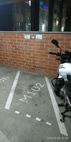 Parqueadero Cubierto De Moto