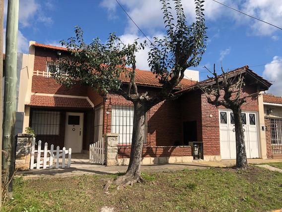 Casa En Ituzaingo - En Venta -