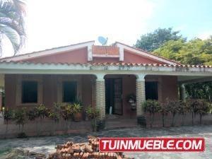 Casa En Venta En Safari Country Club Valencia 19-10710gz