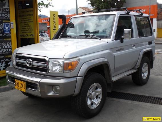 Toyota Land Cruiser Macho 4.0 Mt 4x4