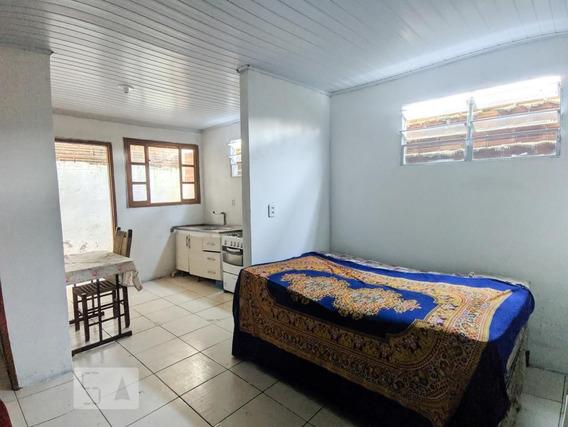 Studio No 1º Andar Mobiliado Com 1 Dormitório E 1 Garagem - Id: 892949997 - 249997