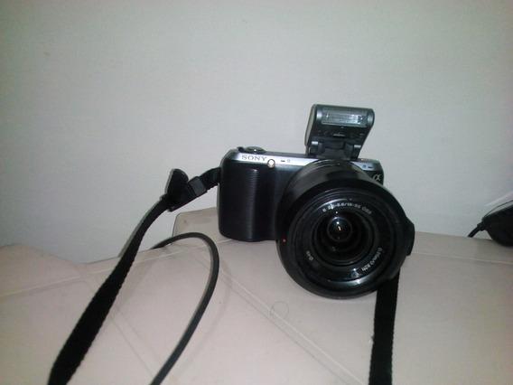 Camera Semi-profissional Sony Nex-c3 - 16.2 Megapixels