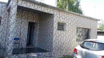 Casa En Venta En Colinas De Solymar
