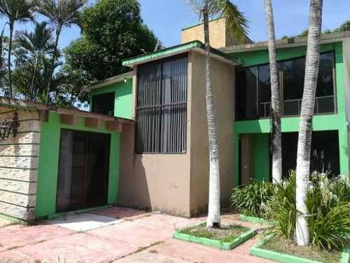 Casa En Venta, Col. Los Maestros, Minatitlan, Ver.