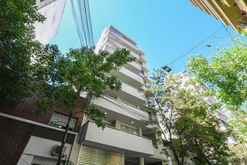 Departamento De 3 Dormitorios En Venta - Nuevo Con Cochera Y Patio - Centro