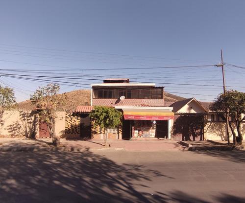 255.000 $us Amplia Casa Multifamiliar Sobre Av Circunvalacio