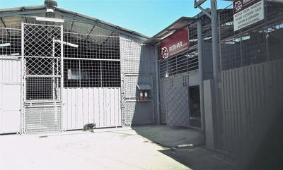 Quito, Carcelén, Arriendo Un Galpón O Bodega Con Oficinas