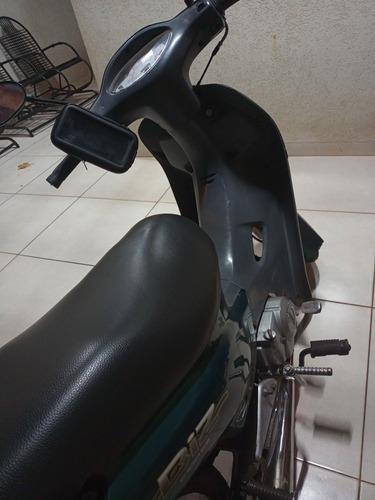 Imagem 1 de 3 de Honda 2002