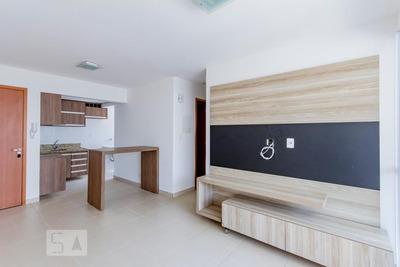 Apartamento No 9º Andar Com 2 Dormitórios E 1 Garagem - Id: 892872082 - 172082