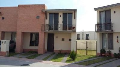 Hermosa Casa En Puerta De Piedra, 3 Recámaras, Estudio, 4ta Rec, Jardín, Alberca