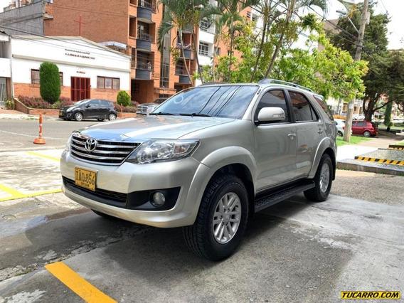 Toyota Fortuner Urbana Full 4*4