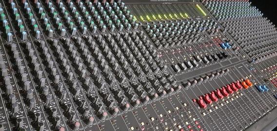 Mesa De Som Cmc 32 Canais, Funcionando Tudo E Em Perfeita.