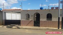 Se Vende Casa Urb. Privado Villa Sabana