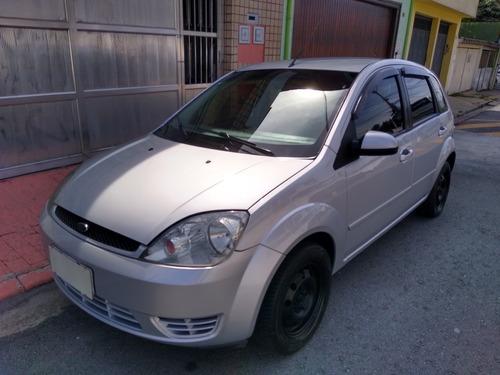 Imagem 1 de 11 de Ford Fiesta 2005 1.6 Flex 5p