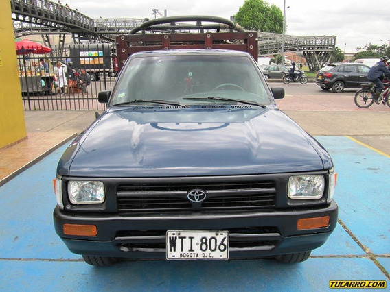 Toyota Hilux 24000cc 4x2 Mt Aa