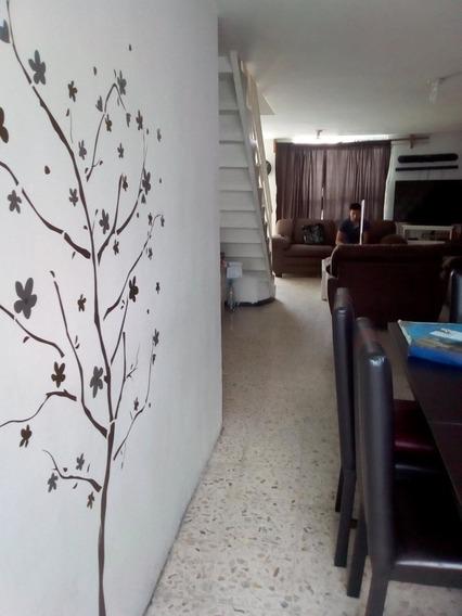 Casa Super Ubicada 3 Rec+ Hall T.v. 2 Baños Compl,2 Autos