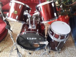 Vendo Bateria Gress Percussion