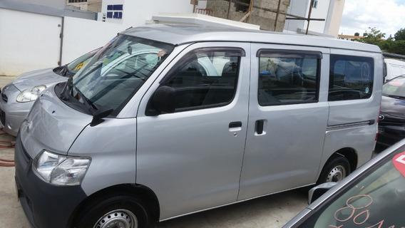 Toyota Hiace Con 150 De Inicial El Resto En Cómodas Cuotas