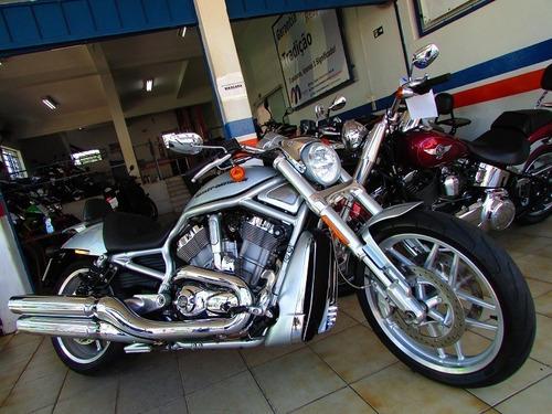 Imagem 1 de 10 de Hd Vrod 1250cc - Edição 10 Anos - Loja Millenium Veiculos