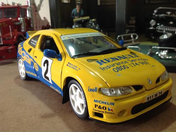 Miniatura Anson 1/18 Renault Maxi Megane - Linda!
