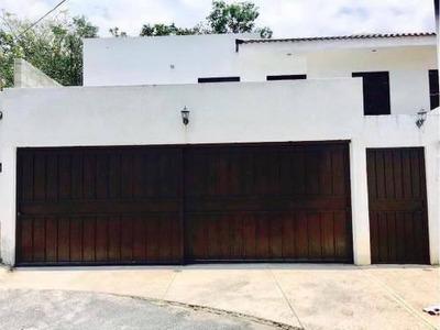 Magnífica Casa Dentro De Fraccionamiento La Morena