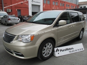 Chrysler Town & Country 2014 Lx Aut. Doble Clima $214,000