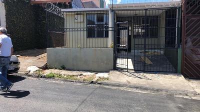Casa 3 Cuartos ¢200.000 + Deposito 88701855