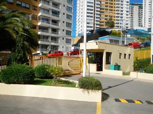 Departamento Muy Seguro En Condominio Valparaiso