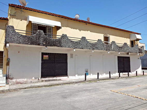 Aluguel Casa 2 Quartos, Área De Serviço, Varanda