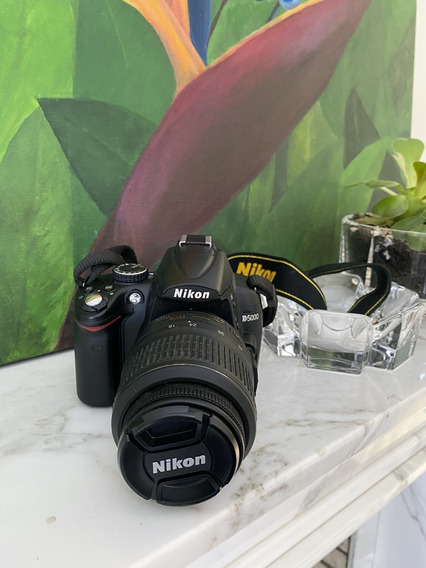 Câmera Nikon D5000 + Lente 18-55mm + 2 Cases