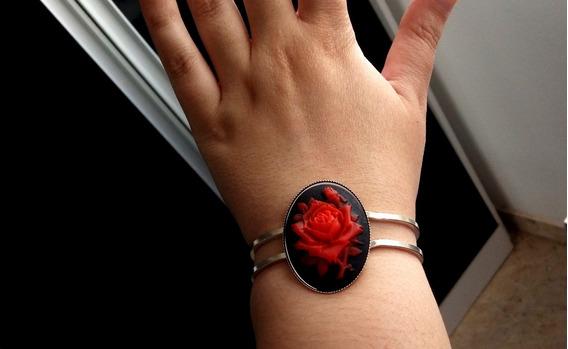 Bracelete Gotica Vintage Rosas Vermelhas Brinde