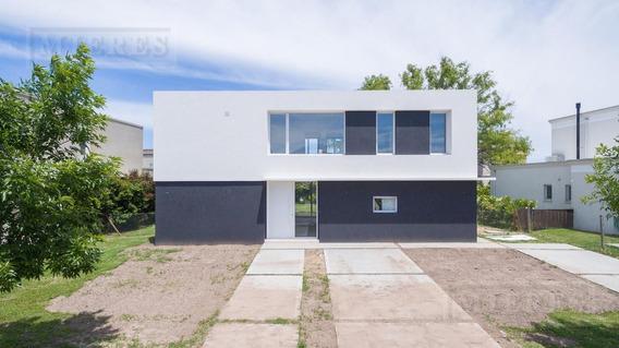 Casa Moderna En Venta - Barbarita