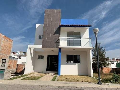 Casa Nueva Amplio Terreno En Fraccionamiento Privado