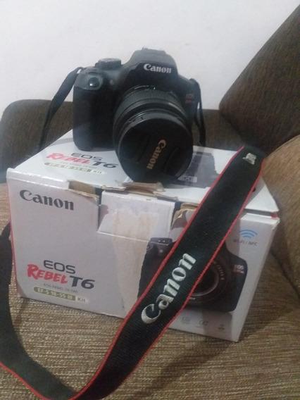 Vendo Uma Câmera Profissional Da Canon Usada