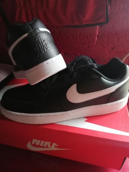 Tenis Nike Ebernon N/b Originales, Nuevos Y En Caja.