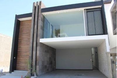 Casa En Venta En Fraccionamiento De Sampedro Cholula