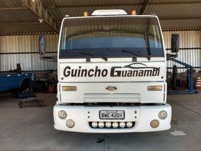 Caminhão Guincho Lança