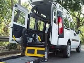 Fiat Doblo Acessível Com Elevador Automático (adaptado)