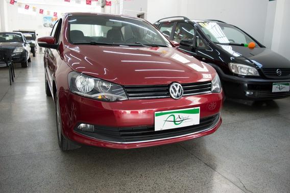Volkswagen Voyage 1.6 Vht Highline Total Flex I-motion 4p