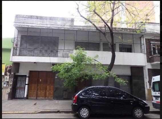 Casa Quinta En Alquiler Ubicado En Caballito, Capital Federal