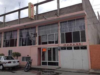 Edificio Comercial Muy Cerca Del Parque Acuatico De Ixtapan De La Sal, Estado De Mexico.