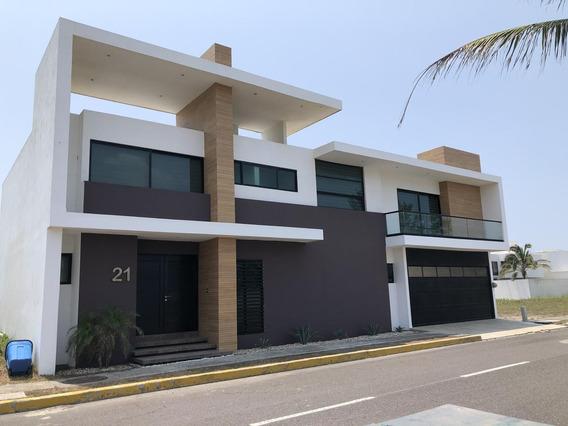 Playas Del Conchal, Casa En Venta O Renta Con Vista Al Mar, Jardín, Cuarto De Tv (aa)
