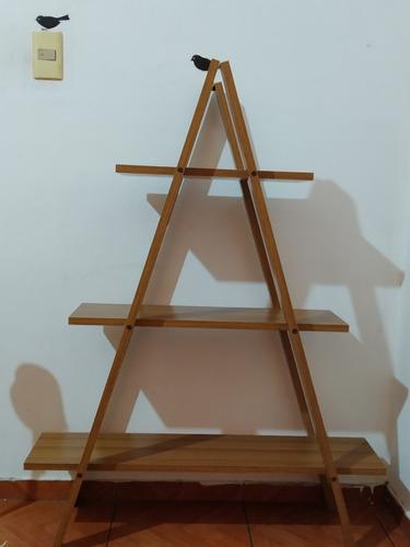 Estantería Triangular