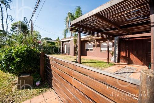 Casa De 3 Dormitorios En Mansa, Punta Del Este. - Ref: 41178