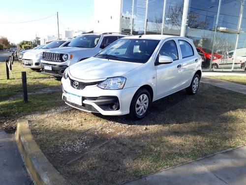 Imagen 1 de 9 de Toyota Etios Xs